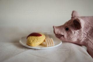 ブタの食事 - No.928754