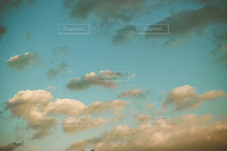夕方の空の写真・画像素材[983834]
