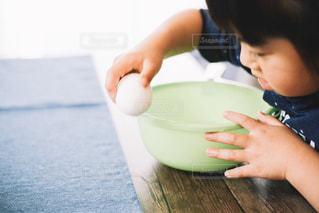 子供のお手伝いの写真・画像素材[1206212]