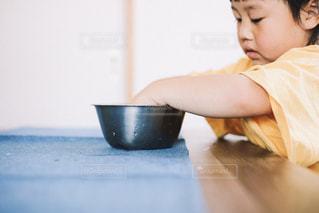 子供の手伝いの写真・画像素材[1206213]