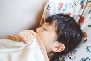 子供の昼寝の写真・画像素材[1247598]