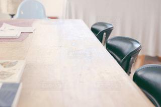 木製のテーブルの写真・画像素材[1382254]