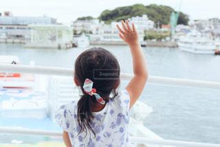 船の上からさようならの写真・画像素材[1388683]