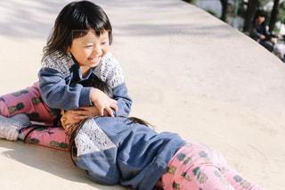 公園で遊ぶ子供の写真・画像素材[1652159]