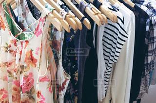 服 ファッションの写真・画像素材[996162]