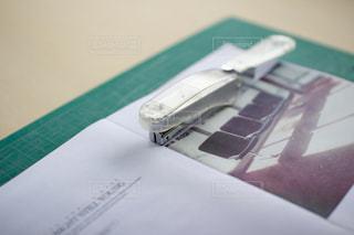 ジンの制作過程の写真・画像素材[996368]
