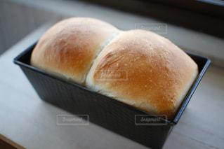 自宅で焼くケーキ型を使ったミニ食パンの写真・画像素材[1699713]