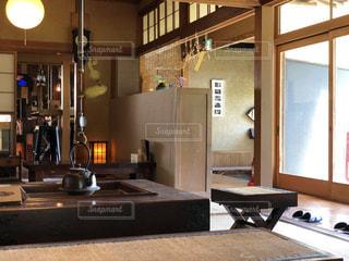 背景の建物のキッチン エリアの写真・画像素材[1446462]