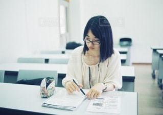 勉強中の大学生のの写真・画像素材[3923]