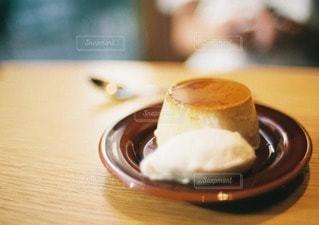 食べかけのプリンの写真・画像素材[40615]