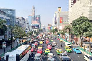 東南アジアでよく見る渋滞の写真・画像素材[254564]