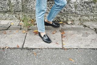 おしゃれ男子の足元の写真・画像素材[1536945]