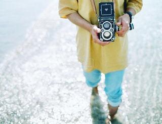 水遊びとカメラ男子の写真・画像素材[1847913]