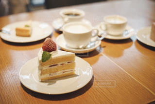 カフェでのひとときの写真・画像素材[2074480]