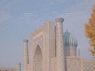 ウズベキスタン・サマルカンドにある世界遺産、レギスタン広場の写真・画像素材[2116781]