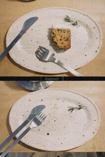 食べかけのケーキの写真・画像素材[3998898]