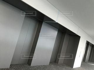 エレベーターホールの写真・画像素材[973584]