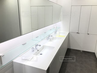 清潔なトイレの写真・画像素材[973589]