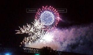 高架橋と花火の写真・画像素材[1007088]