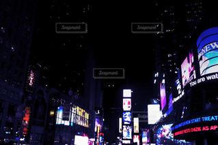 タイムズスクエアの夜景の写真・画像素材[1103740]