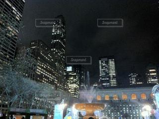 ブライアントパークの夜の写真・画像素材[1104752]