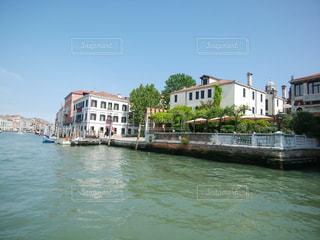 船から撮ったヴェネツィアの風景の写真・画像素材[1664658]