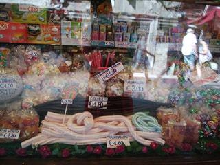 かわいいお菓子屋さんの写真・画像素材[1664663]