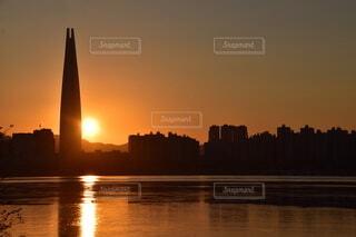 タワーと日の出の写真・画像素材[4018391]