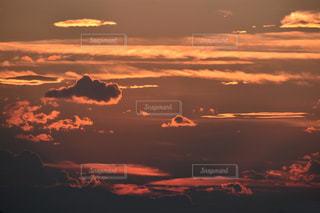 いろんな形の雲の写真・画像素材[1041042]