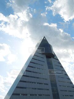 青森港に面した三角形のアスパムの写真・画像素材[1782109]