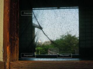 蚊帳越しからの風景の写真・画像素材[2157293]
