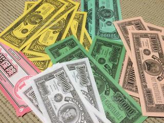 人生ゲームのお金の写真・画像素材[304360]