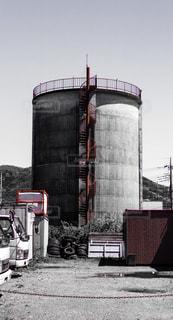 円筒形のタンクの写真・画像素材[304364]