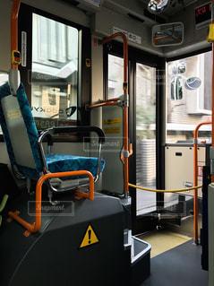 バスの一番前の座席 特等席の写真・画像素材[331823]