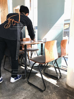 カフェの店員さんの写真・画像素材[358081]