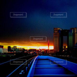 ゆりかもめから眺める東京の夕焼けの写真・画像素材[857128]