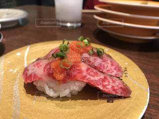 回転寿司屋さんの肉ネタの写真・画像素材[888101]