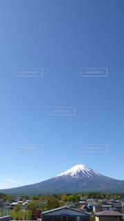 晴れた日の富士山の写真・画像素材[889976]