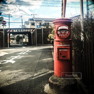レトロな郵便ポストの写真・画像素材[948514]