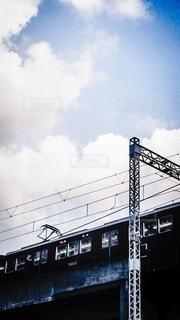 高架線を走る阪急電車の写真・画像素材[972094]