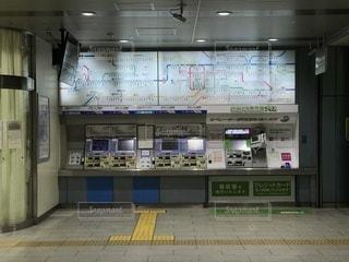 JR西日本の駅の自動券売機の写真・画像素材[980530]