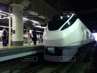 上野駅で発車を待つ常磐線特急ひたちの写真・画像素材[1003827]