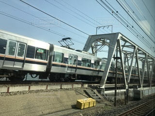 JR神戸線の普通列車の写真・画像素材[1057152]