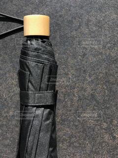 男性用の折りたたみ傘の写真・画像素材[1140345]