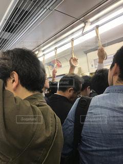 朝のしんどい通勤電車の写真・画像素材[1147152]