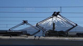 富士急行河口湖駅でみた富士山とパンタグラフの写真・画像素材[1242748]