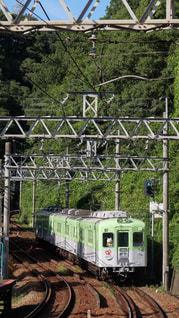 新開地に向かう神戸電鉄の90周年記念リバイバル列車の写真・画像素材[1399114]
