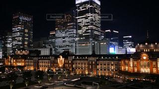 東京駅の風格たるや素晴らしきライトアップの写真・画像素材[1414227]