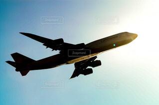 ボーイング747ジャンボジェット機のシルエットの写真・画像素材[1569693]