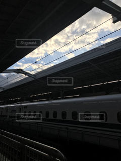 早朝の新大阪駅の写真・画像素材[1584827]